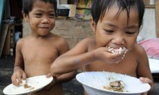 children_golden_rice_hunger_poverty_third_world_environment-300x180