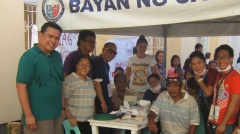 Dale Asis, Evelyn Castillo and Medical Action Group volunteer doctors and nurses