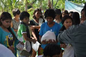 Food Distribution, Cebu, Philippines
