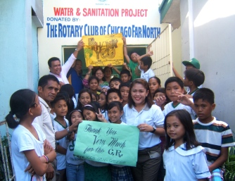 School children of Iligan Central Elementary School made posters and signs showing their gratitude for the new latrines