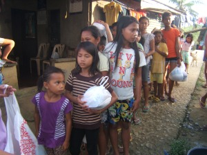 street children receiving food relief